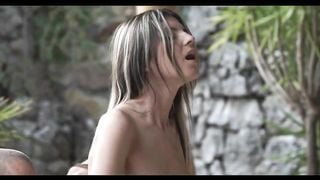 Sensationeller Arschfick mit der mageren Russin Doris Ivy