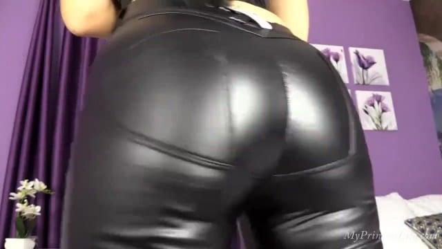 Big Ass Girlfriend Doggystyle