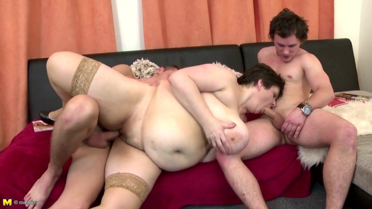 Girl Fucks 2 Guys Webcam