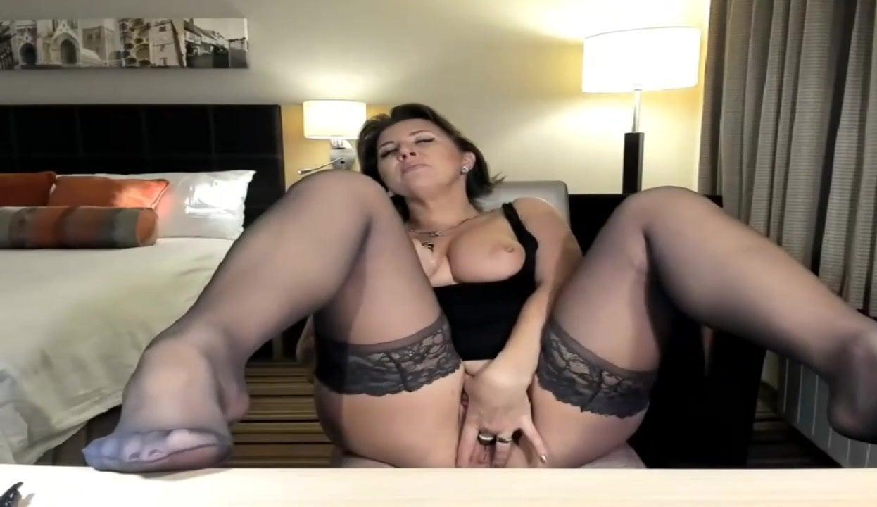 Веб Камера Зрелые Чулки Порно Видео