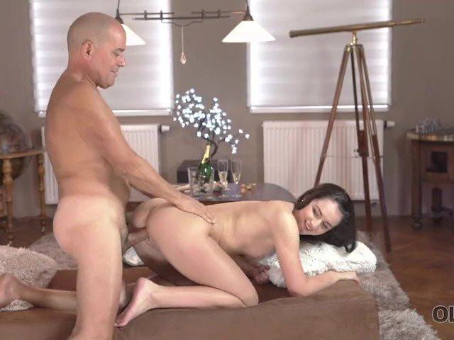 Teen old sex guy having with Video 'showing