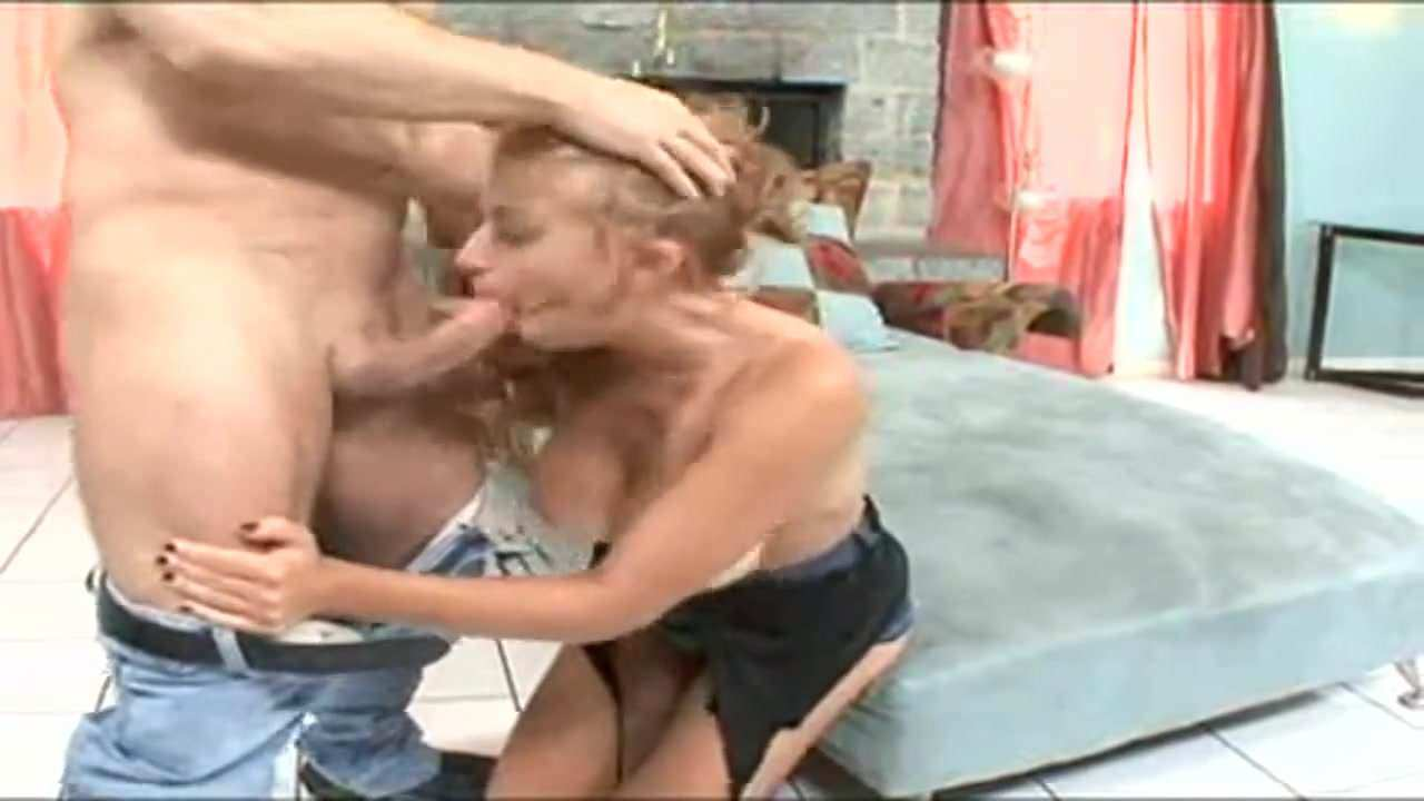 Cuckold Licks While Fucking