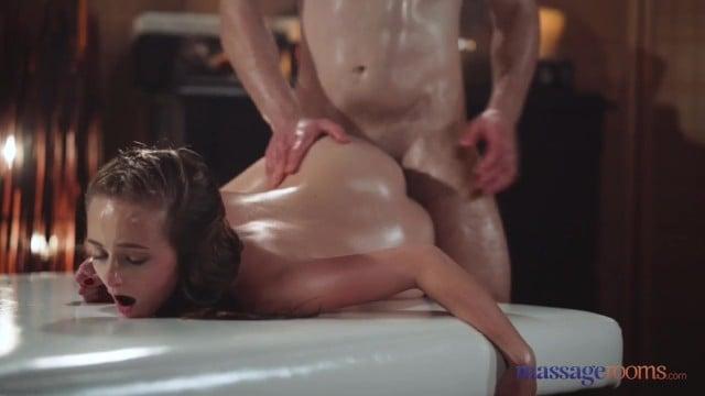 Massage Rooms Petite Czech Blonde Lady Bug Slippery Handjob And